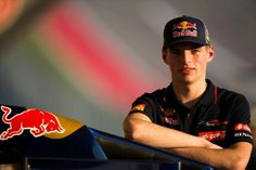 Max Verstappen Torro Rosso 2014 Tag Heuer Formula, Red Bull Racing, Flat Tire, World Of Sports, Verse, Formula One, Grand Prix, Pilot, Captain Hat