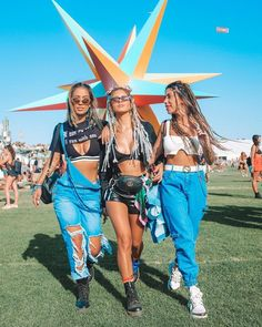 Lady Rock no Coachella Coachella Festival, Festival Diy, Diy Fest, Festival Mode, Music Festival Outfits, Festival Fashion, Festival Clothing, Festival Makeup, Music Festivals