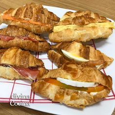 croissants rellenos salados My Recipes, Snack Recipes, Snacks, Croissants, Tapas, Canapes, Relleno, Hot Dogs, Waffles