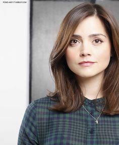 Loveee her hair Pretty Hairstyles, Easy Hairstyles, Doctor Who, Eleventh Doctor, Jenna Coleman Hair, Medium Hair Styles, Short Hair Styles, Dream Hair, Hair Goals