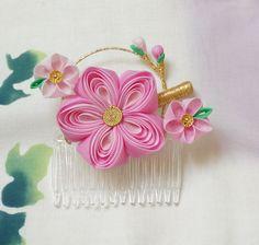 Lovely Pink Ume Plum Kanzashi 238 por JapaneseSilkFlowers en Etsy