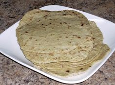 Homemade Spelt Flour Tortillas from There's no shortening, so it's healthier, and no kneading. Recipes With Flour Tortillas, Homemade Tortillas, Flour Recipes, Bread Recipes, Potato Recipes, Vegetable Recipes, Fast Metabolism Diet, Metabolic Diet, Diabetic Recipes