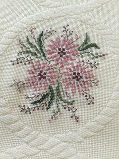 Cross Stitch Letters, Cross Stitch Borders, Cross Stitch Rose, Cross Stitch Flowers, Cross Stitch Designs, Sewing Stitches, Baby Knitting Patterns, Stitch Patterns, Hardanger Embroidery
