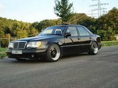 Mercedes-Benz Black on Black E 500, Benz E Class, Mercedes Benz Cars, Car Manufacturers, Vroom Vroom, Exotic Cars, Edm, Wheels, Retro