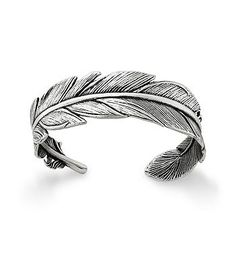 Feather Cuff Bracelet - Feathers, favorite found objects and accessories since ancient times, represent freedom and discovery and nature. This sterling silver cuff is a natur Feather Jewelry, Boho Jewelry, Silver Jewelry, Jewellery, Compass Jewelry, Silver Rings, Indian Jewelry, Fine Jewelry, Special Gifts For Him