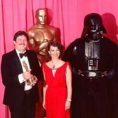 Natalie presented the Academy Award for Best Costume Design to John Mollo and Star Wars in 1978 #red #oscarnight