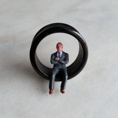 SUITED AND BOOTED Black Acrylic Flesh Tunnels / van earoes op Etsy