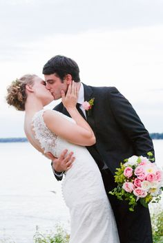 Wedding photography by Twin Lens Weddings in Milwaukee Wisconsin & Austin Texas #weddinginspiration #weddingphotography #twinlensweddings
