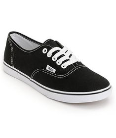 Get back to basics with the timeless Vans Authentic Lo Pro in the black and white colorway. This classic girls Vans shoe has a low top silhouette with an all black canvas upper and contrast white details. A go-anywhere casual shoe, the black Authentic Lo.