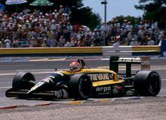 1988 Osella FA1L (Nicola Larini)