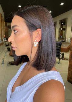 Medium Haircuts, Medium Hairstyles, Easy Hairstyles, Straight Hairstyles, Medium Hair Styles For Women, Trending Haircuts, Shoulder Length Hair, Cut And Style, Hair Trends