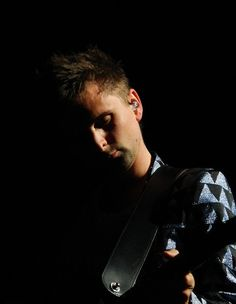 Bercy, Paris (2012) Matthew Bellamy, Leap Of Faith, Paris, Cool Bands, Muse, Fangirl, The Incredibles, Madness, Emo