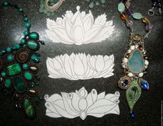 Купить Комплект выкроек для создания браслетов - цветочные мотивы, 3 шт в интернет магазине на Ярмарке Мастеров Bead Embroidered Bracelet, Bead Embroidery Jewelry, Soutache Jewelry, Bead Jewellery, Seed Bead Jewelry, Beaded Embroidery, Bracelet Crafts, Bracelets, Beading Patterns