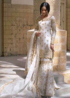 Pakistani Bridal Dresses, Pakistani Dress Design, Pakistani Outfits, Pakistani Gharara, Pakistani Culture, Pakistani Designers, Indian Wedding Outfits, Bridal Outfits, Ethnic Wedding