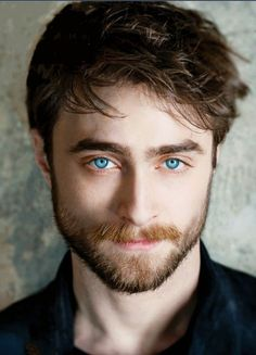 """mancandykings: """"Daniel Radcliffe photographed by Sarah Dunn for Angeleno magazine (November """"""""I don't want to be just defined by Harry Potter, but I am totally at peace that it will be the role. Daniel Radcliffe Harry Potter, Daniel Radcliffe Movies, Images Harry Potter, Harry Potter Actors, Harry James Potter, Daniel Radcliffe Birthday, Sarah Dunn, Mundo Harry Potter, Hommes Sexy"""