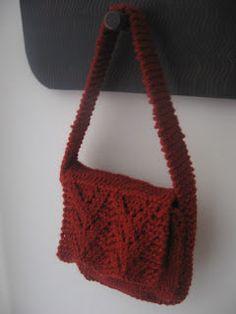 Free Knitting Pattern - Bags, Purses & Totes: Horseshoe Lace Purse