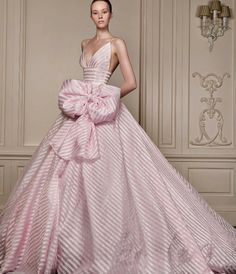wedding riot Minus the giant bow and its wow Pink Gowns, Pink Dress, Dress Up, Beautiful Gowns, Beautiful Outfits, Evening Dresses, Formal Dresses, Wedding Dresses, Wedding Pics