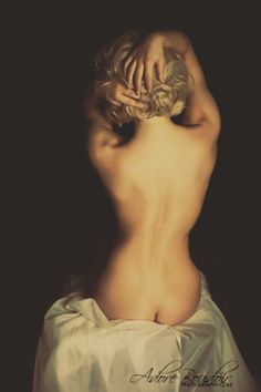 THE ADORE GIRLS BOUDOIR PHOTOGRAPHY NASHVILLE TN Absolutely LOVE this! This is beautiful, it looks like a sculpture from the Renaissance! such beautiful classicist style