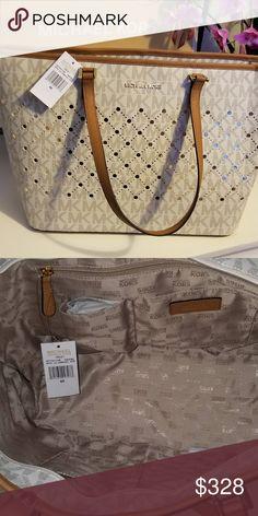 4c3a3cb59ed Spotted while shopping on Poshmark  Michael Kors Tote Bag!  poshmark   fashion