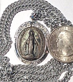 Vintage Miraculous Medal Our Lady of Grace Necklace Virgin Mary (Image1)