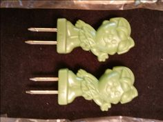 Set of EIGHT Brand New Little Green Sprout Corn Holders Sprouts, Basement, Ethnic Recipes, Green, Vintage, Root Cellar, Brussels Sprouts, Vintage Comics, Primitive