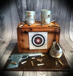 Target Practice Cans, bullets, and gun are edible Army Cake, Military Cake, 40th Birthday Cakes For Men, Man Birthday, Gun Cakes, Country Birthday, Adult Party Themes, Hunting Party, Target Practice