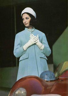 https://flic.kr/p/iMx86P   1962   woman fashion 1962