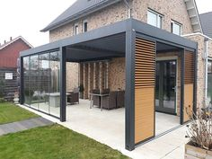 Terraced house patio ideas and outdoor patio terrace. See how terraces can be us . - Terraced house patio ideas and outdoor patio terrace. See how terraces can be us … terraced house - Pergola With Roof, Wooden Pergola, Pergola Patio, Diy Patio, Small Pergola, Covered Pergola, Metal Pergola, Iron Pergola, Pavers Patio