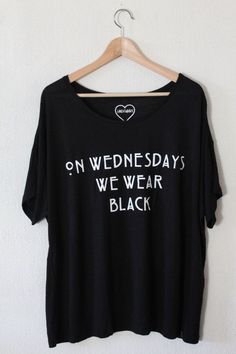 "● ""ON WEDNESDAYS WE WEAR BLACK"" WIDE T-SHIRT AMERICAN HORROR STORY TYPOGRAPHY ONE SIZE FITS MOST ❤ For more information please send a #friki #hipster #camiseta #camisetaes"