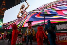 Times Square's Biggest and Most Expensive Digital Billboard Is Set to Shine - NYTimes.com
