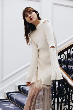 Natalie Lim Suarez wearing Mother of Pearl total look from SS17, Aurora jumper and Christie skirt at Claridge's Hotel #natalieoffduty #natalielimsuarez #motherofpearl