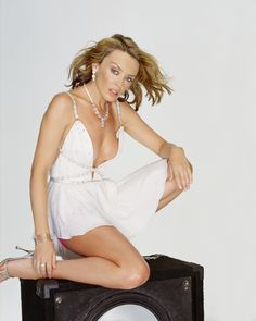 Kylie Minogue High Definition Photos - image: 7512 - imgth | free images hosting