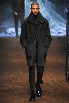 Corneliani Fall 2015 Menswear Fashion Show
