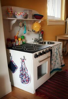 DIY play kitchen with lots of great ideas & diy food
