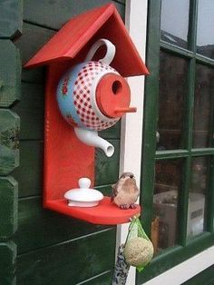 32 Popular Teapot Birdhouse Decoration Ideas
