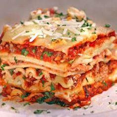 World's Best Lasagna @keyingredient #cheese #tomatoes #italian