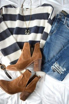 fall outfit inspo Fall style ideas for your closet! Fall style ideas to help you look cute and trendy this fall! Transitional fall pieces and how to style them! Mode Outfits, Casual Outfits, Fashion Outfits, Womens Fashion, Fashion Trends, Fashion Ideas, Ladies Fashion, Fashion Clothes, Casual Wear