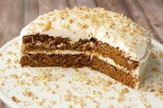 Moist Vegan Carrot Cake with Lemon Buttercream Frosting #vegan #lovingitvegan #carrotcake #cake #dessert