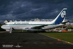 Air New Zealand / Polynesian Airlines Boeing 737-219 ZK-NAR c/n 21649 Auckland International Airport Sep/80