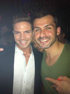 Con el gran hermano Adrián en #LaPosada después de la gala de #gh14 @Albertodelacru