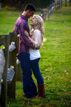 I love this for outdoor engagement pictures!