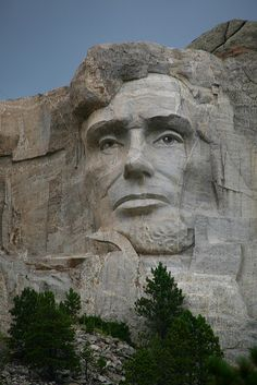 Lincolns face looking down from Mt Rushmore - South Dakota
