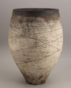 Hans Coper (German/British, An early Vessel, circa 1953 - Contemporary Ceramics - 20 - 24 November 2010 - Auction Atrium Ceramic Clay, Ceramic Bowls, Ceramic Pottery, Pottery Art, Contemporary Ceramics, Modern Ceramics, Earthenware, Stoneware, Keramik Vase