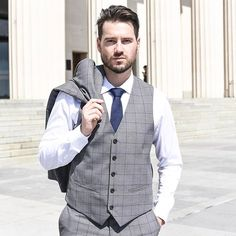 Wearing the @barkesrclothing Calcott Check three-piece suit as part of my article on 3 Ways to Nail Office Style. Read up on it over on the blog jahebbarnett.com (& link in bio 👆🏻) + be in to win a $300 Barkers gift card. Follow @jahebbarnett & jahebbarnett.com for more men's fashion inspiration