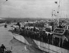 Infantry landing craft going ashore on D-Day, Bernières-sur-Mer, France, June 6, 1944.