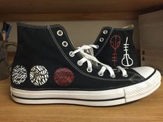 """impressionistes: """"I painted TØP converse for my little brother's christmas present and it was actually one of the most fun things in the entire world. Love you orbjrg Eysteinsdttir-laugh """""""