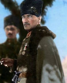 Historical figures of the world – Color by Klimbim Colorized Historical Photos, Colorized History, Cute Walpaper, Soldier Drawing, Winter Hats, Winter Jackets, Ottoman Empire, Galaxy Wallpaper, Historical Clothing