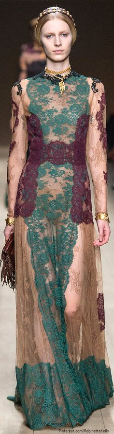 Sneak Peek! Last one for now, dolls. LOVING Valentino Spring 2014 RTW. I'll be pinning my Fashion Week Faves soon!!! Does Valentino ever disappoint? NOPE!