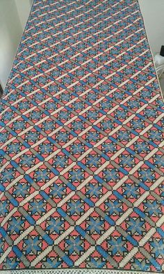 Needlework, Bohemian Rug, Cross Stitch, Diy Crafts, Embroidery, Rugs, Projects, Canvas, Patterns