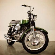 1970-Harley-Davidson-XLR-Boattail
